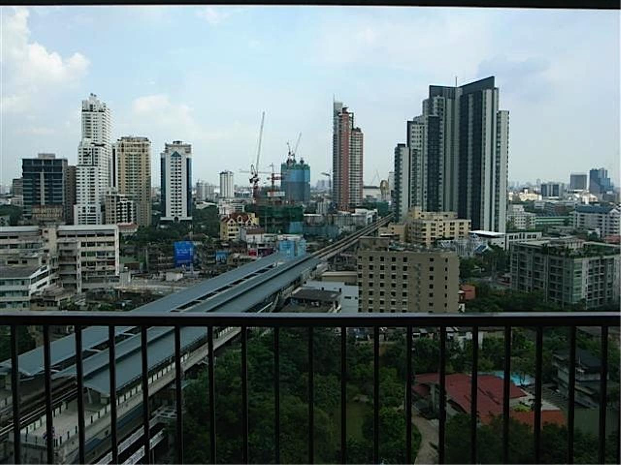 Piri Property Agency's Noble Remix Condo for rent with Classic Interior and nice views 9