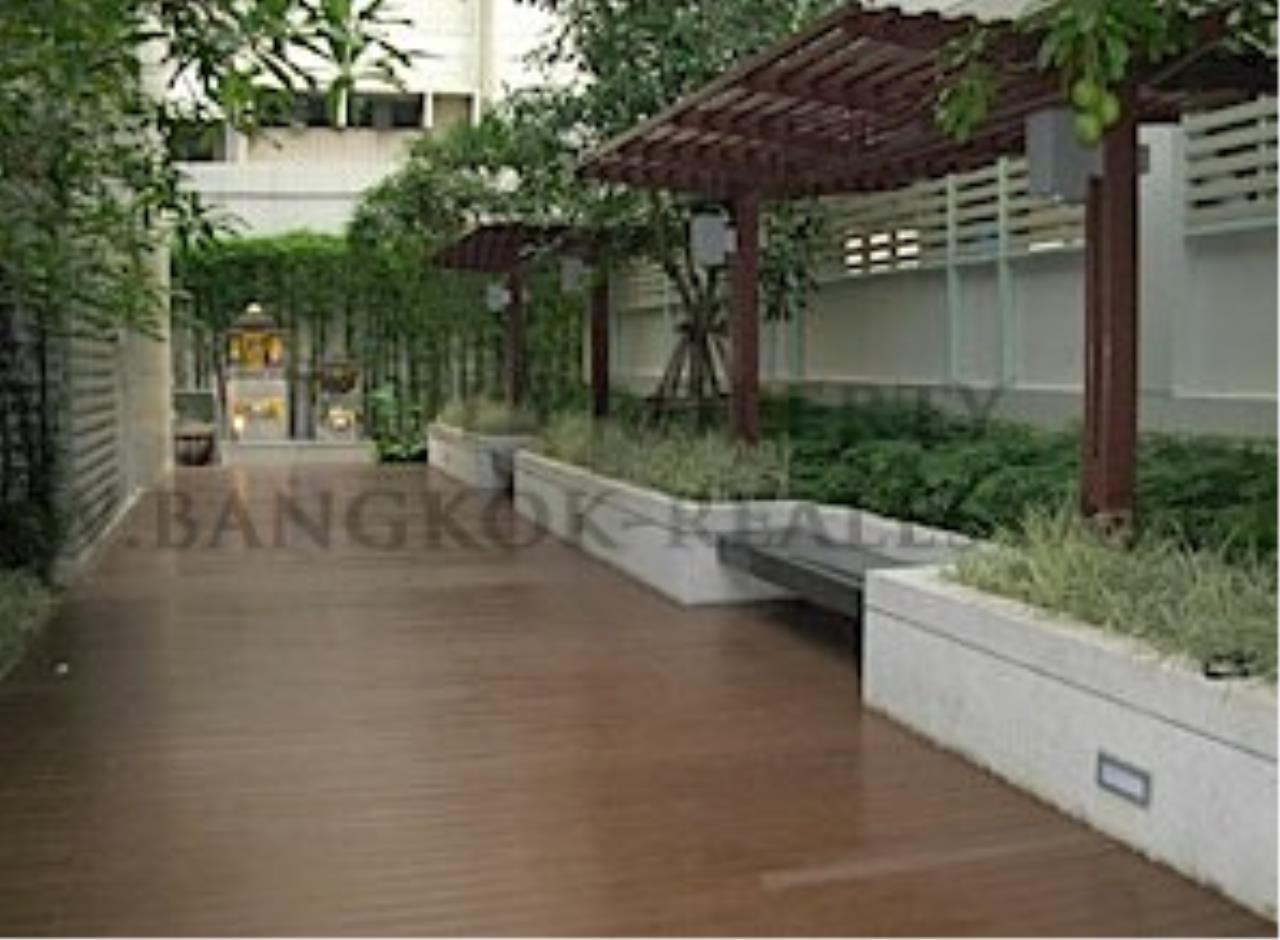 Piri Property Agency's Brand New Condo near On Nut BTS 5