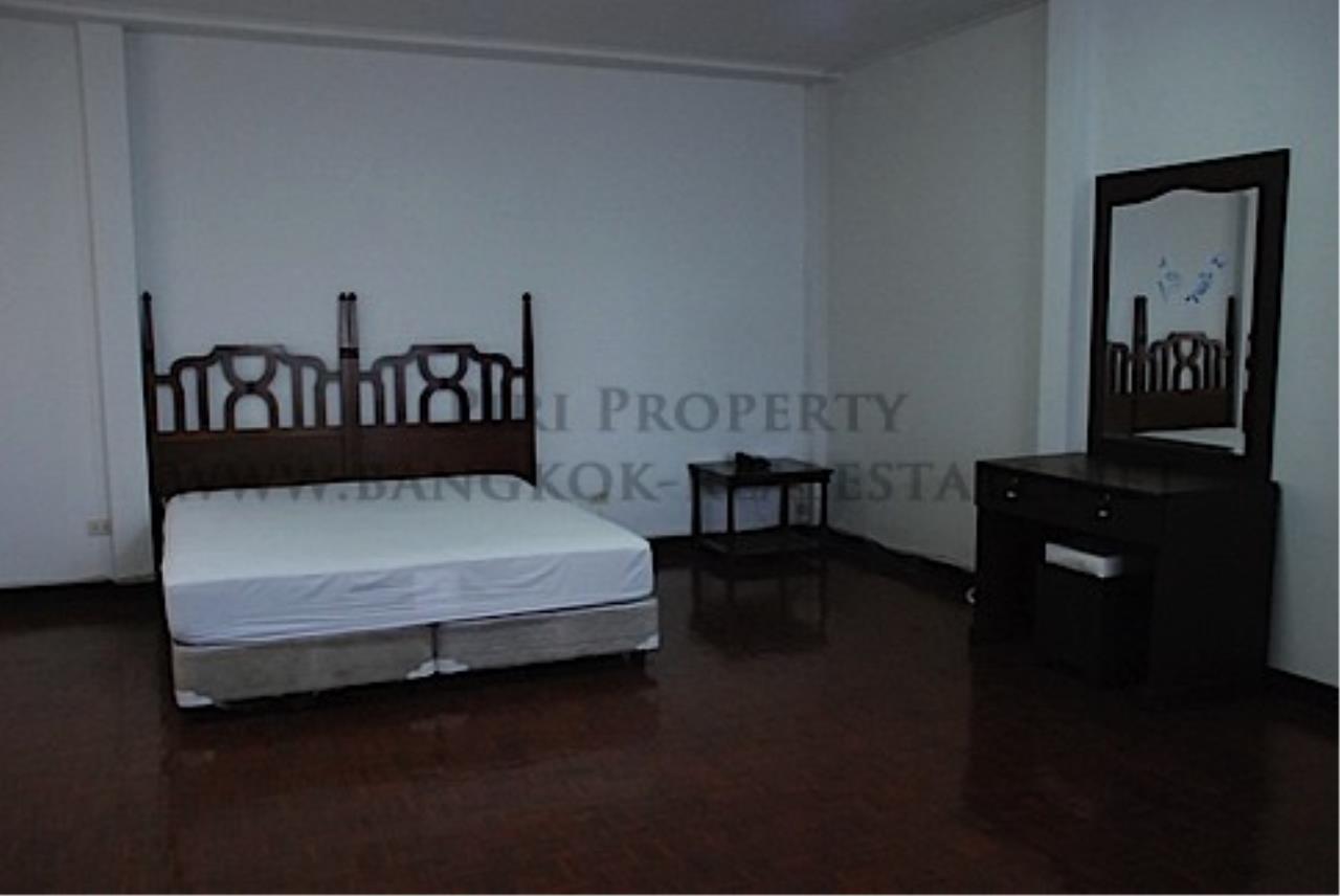 Piri Property Agency's House in Soi Soonvijai for Rent 2