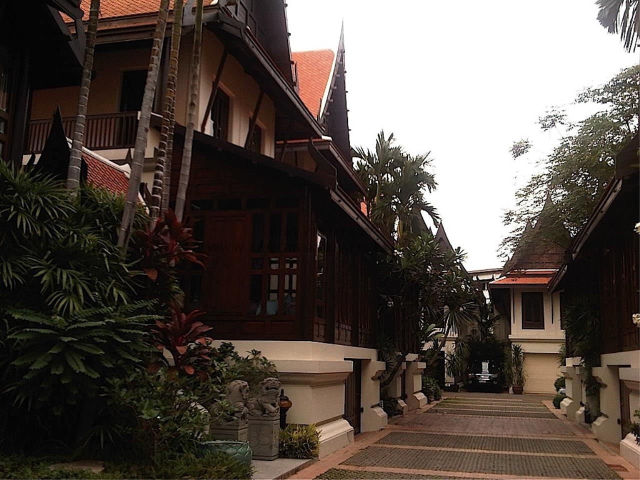 Piri Property Agency's Very Exclusive Thai Style House 12