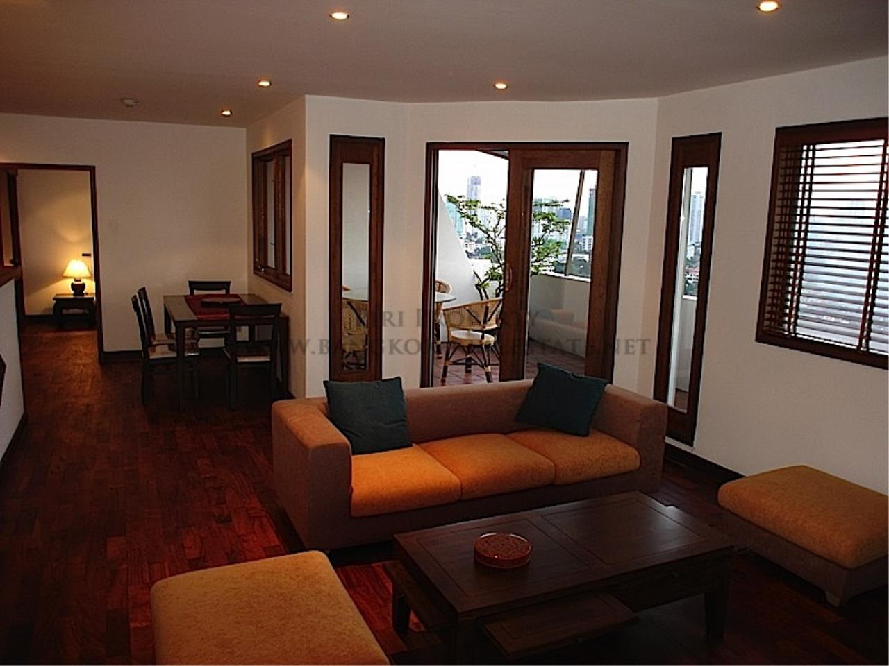 Piri Property Agency's High floor unit in Thonglor 1