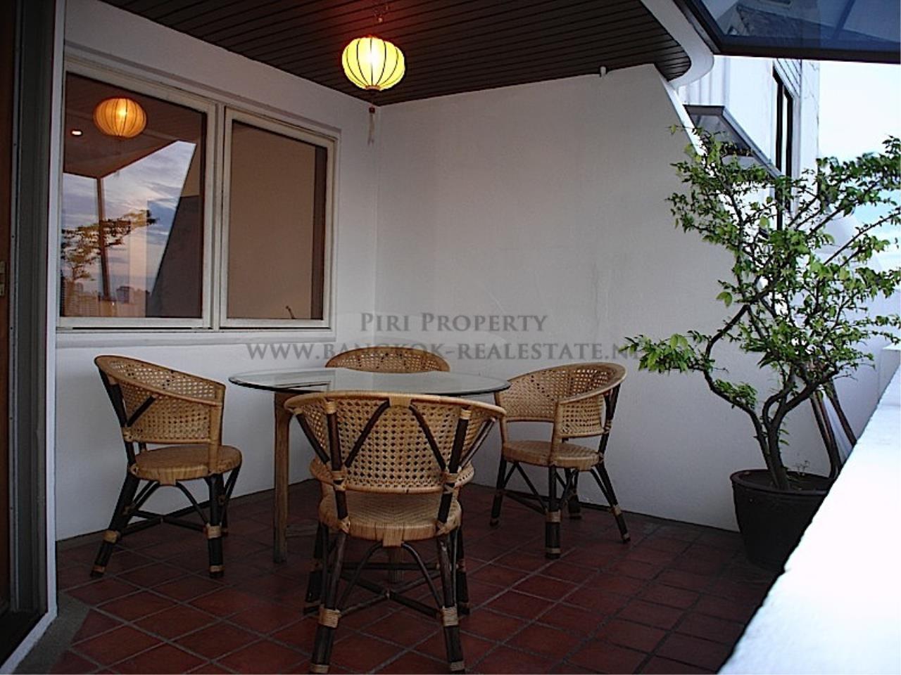Piri Property Agency's High floor unit in Thonglor 4