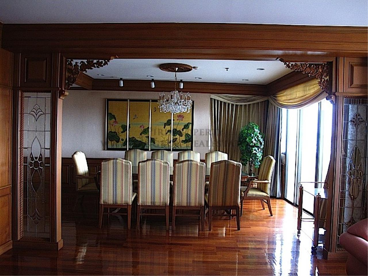 Piri Property Agency's Rattanakosin View Mansion - Large Unit for Sale 5