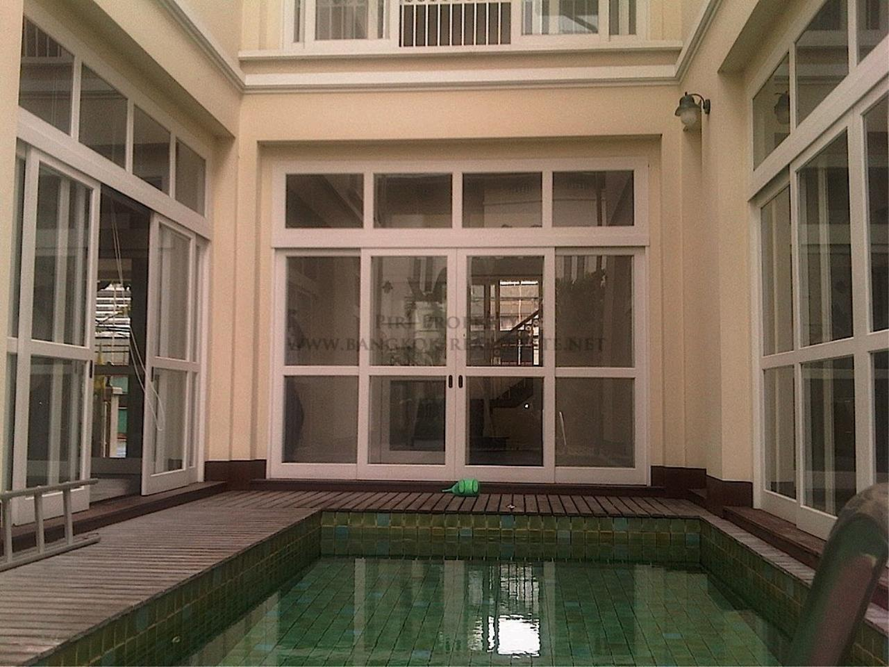 Piri Property Agency's Single House with Private Pool 2