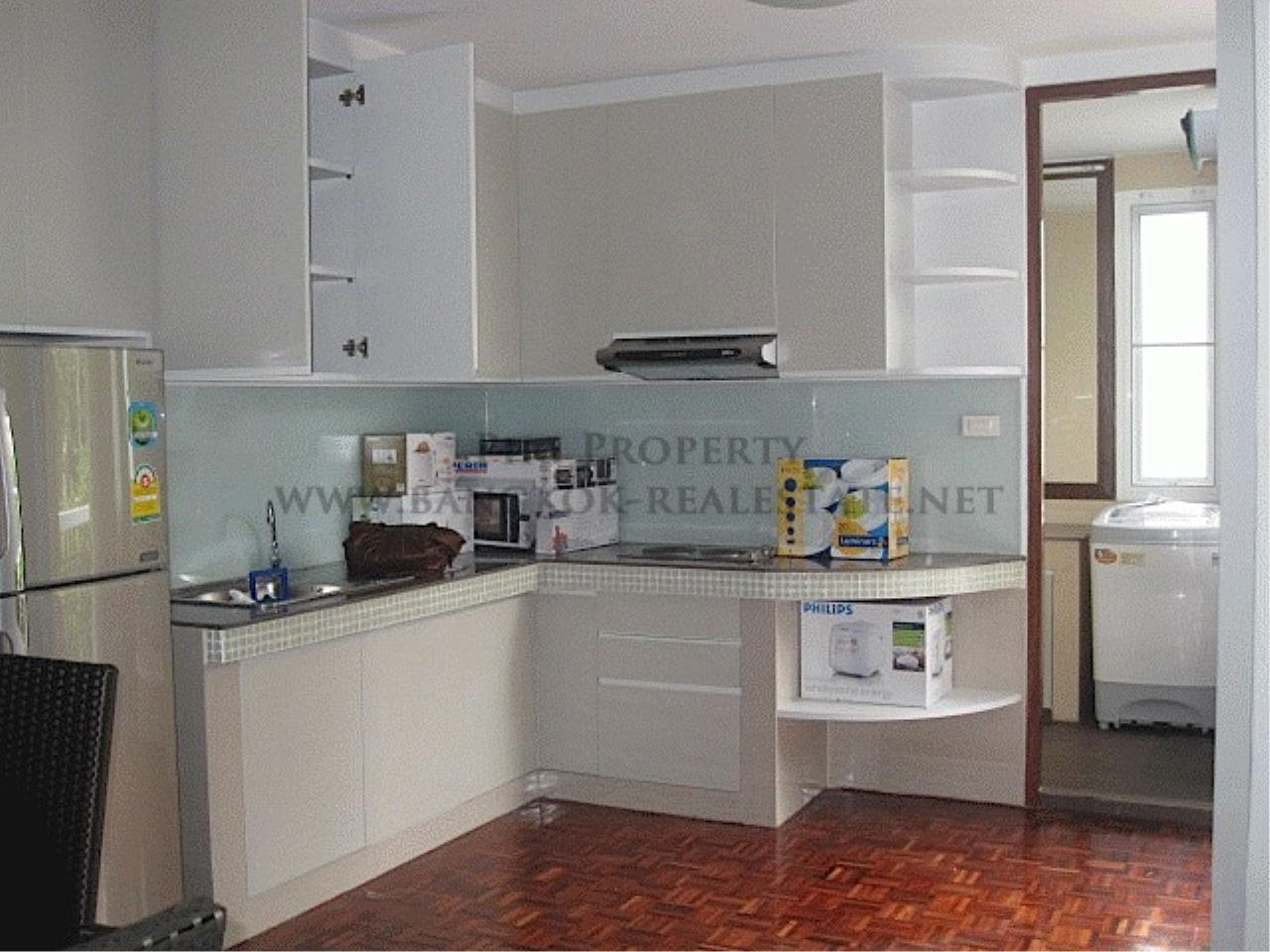Piri Property Agency's Very Spacious One Bedroom Unit 3