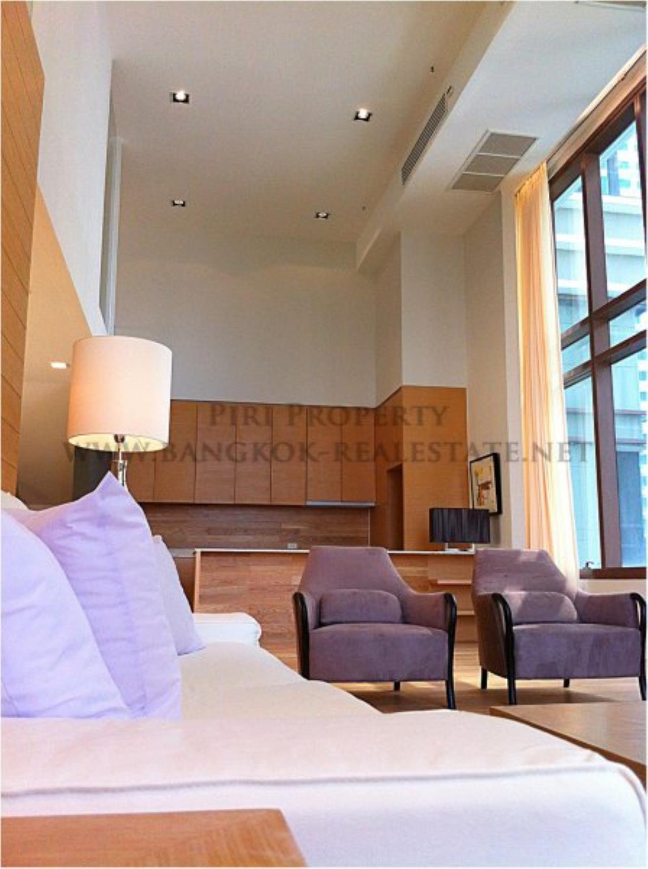 Piri Property Agency's Amazing Duplex Condominium for Rent - Emporio Place 1