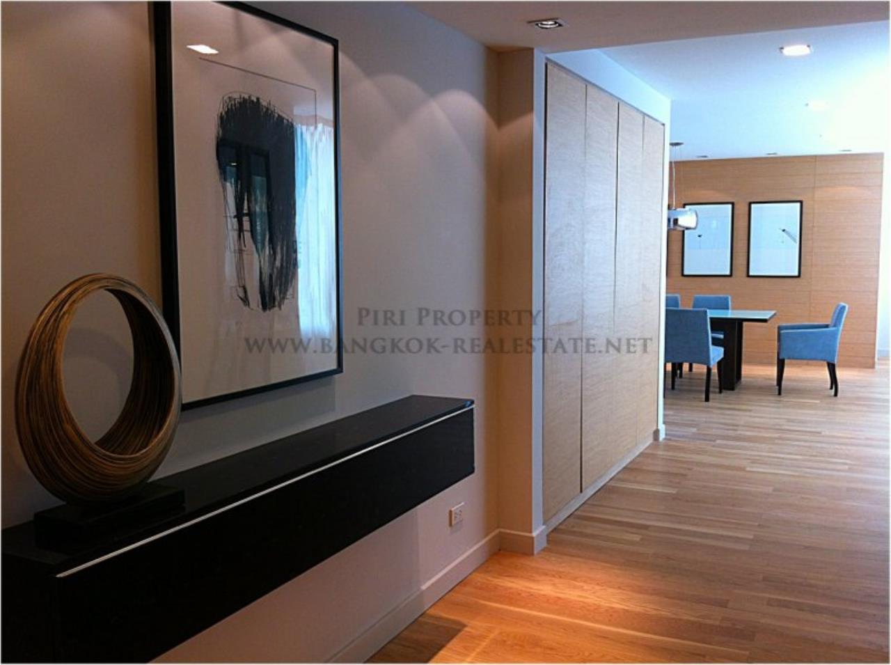 Piri Property Agency's Amazing Duplex Condominium for Rent - Emporio Place 4