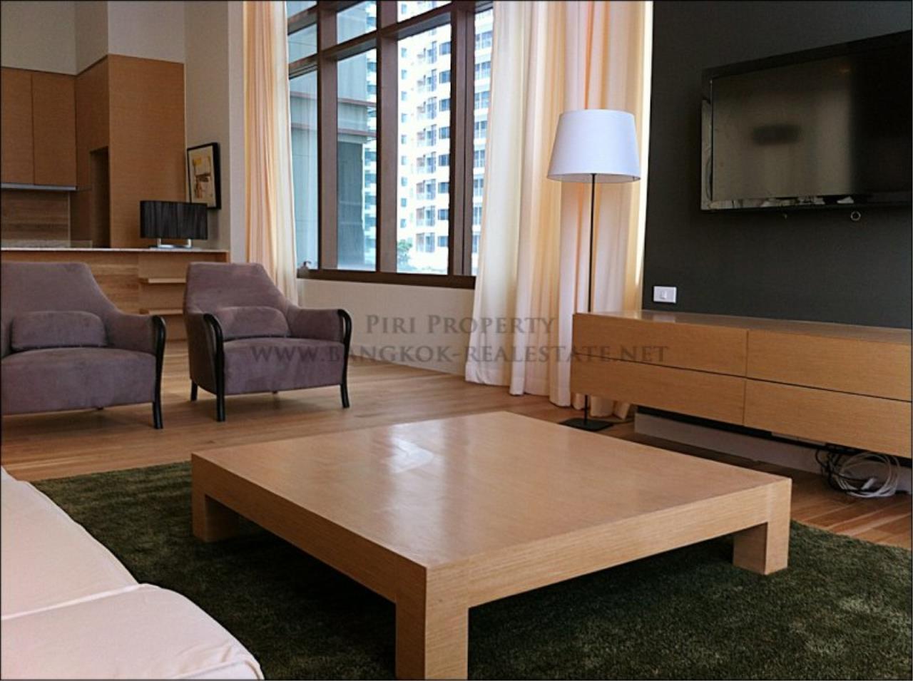 Piri Property Agency's Amazing Duplex Condominium for Rent - Emporio Place 7