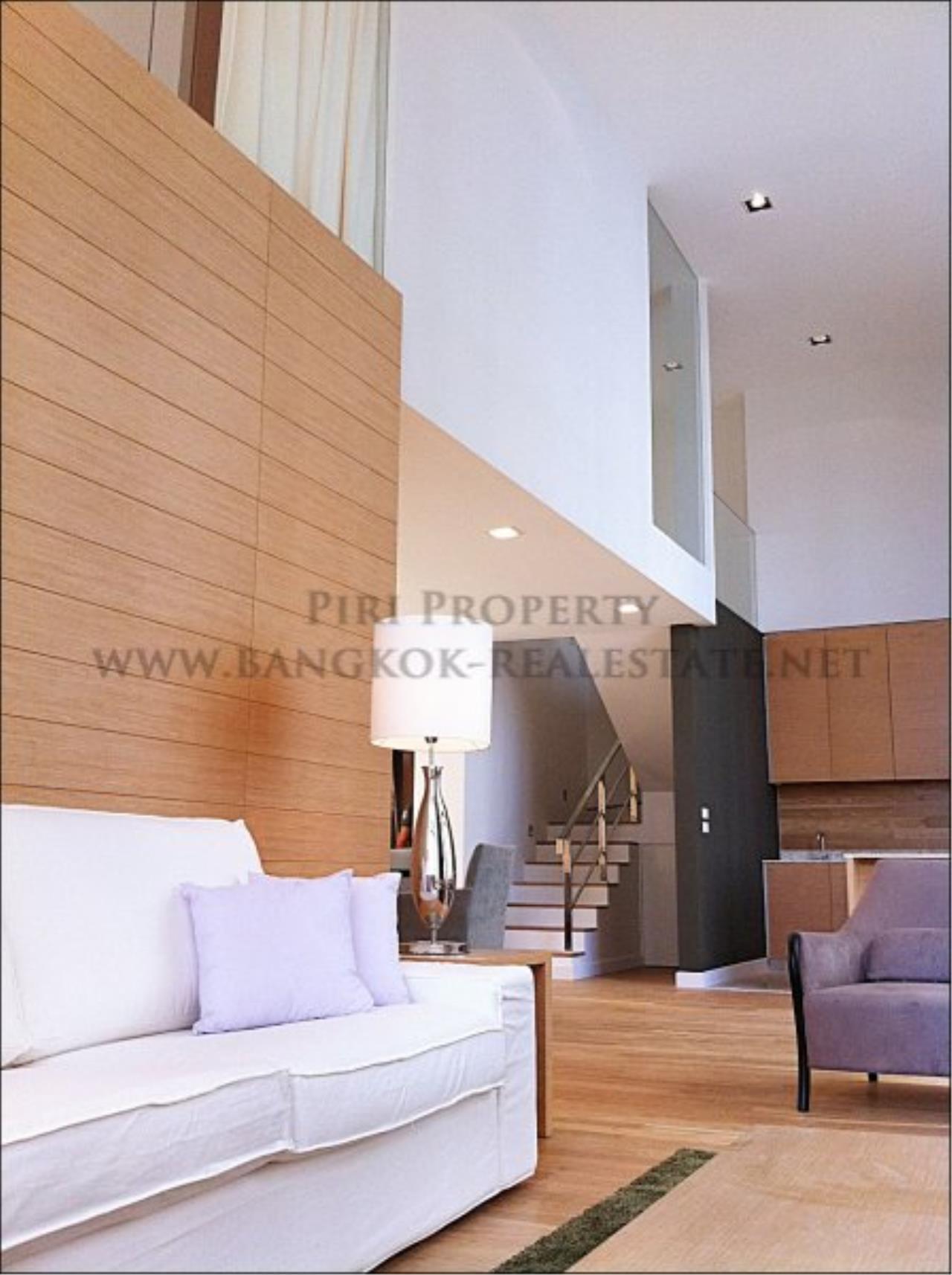 Piri Property Agency's Amazing Duplex Condominium for Rent - Emporio Place 5
