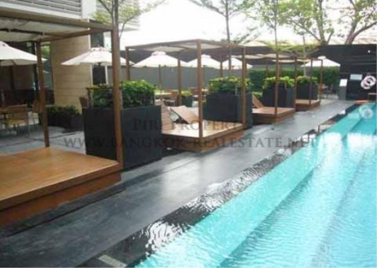 Piri Property Agency's Amazing Duplex Condominium for Rent - Emporio Place 15