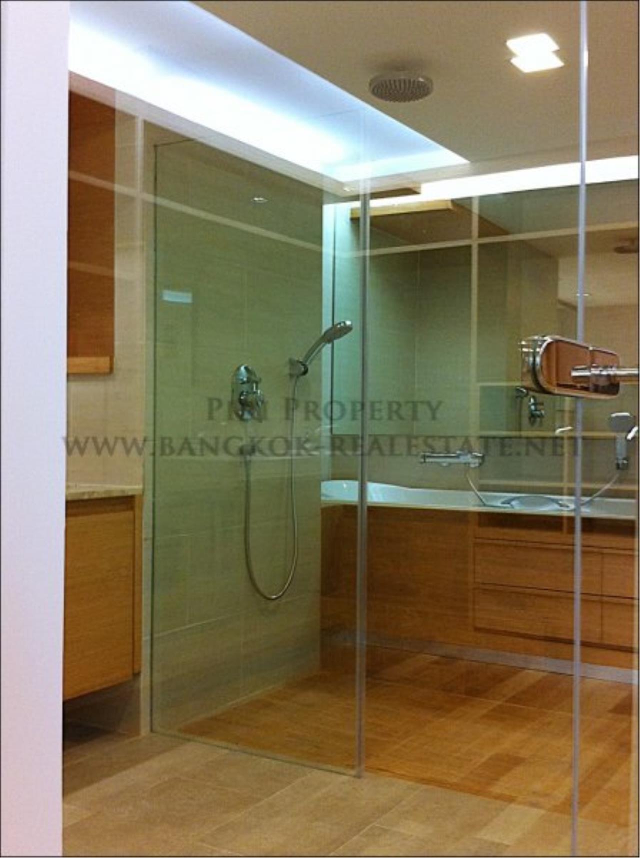 Piri Property Agency's Amazing Duplex Condominium for Rent - Emporio Place 14