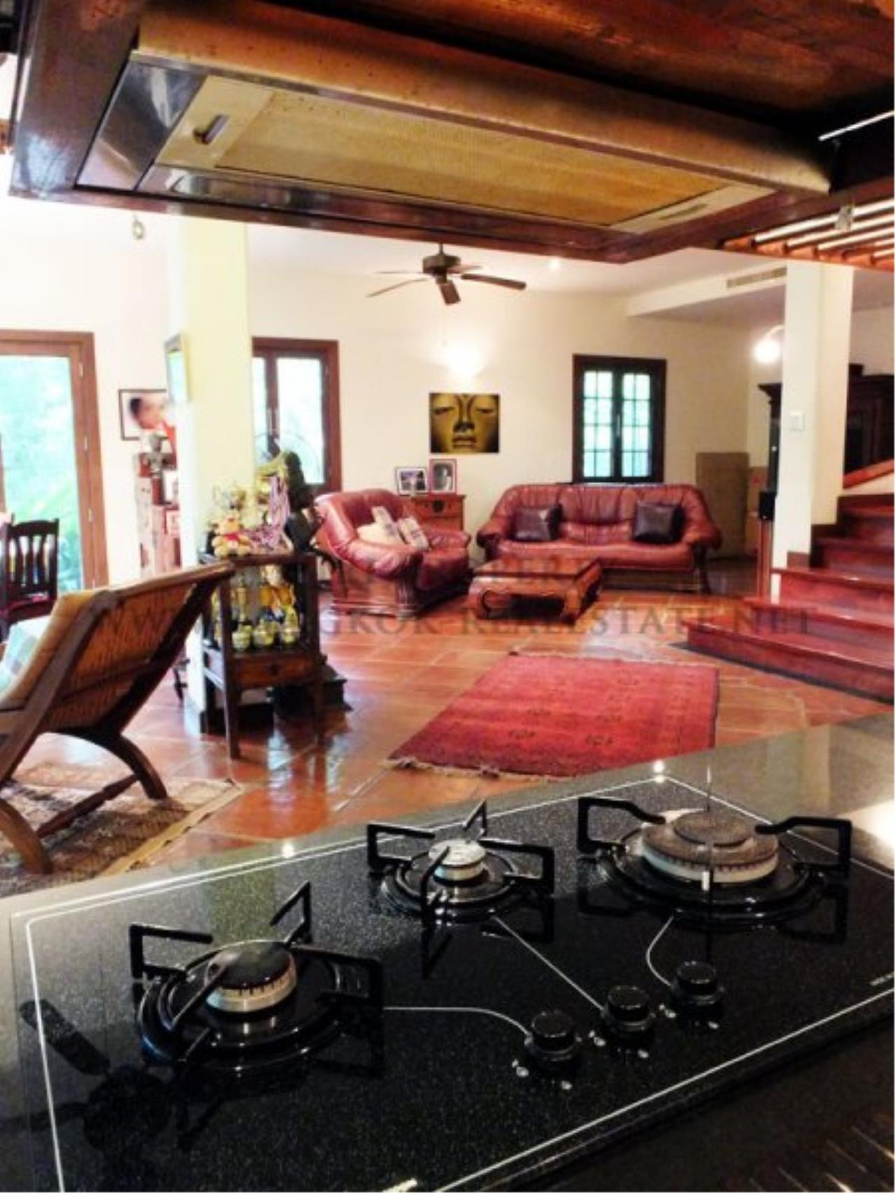Piri Property Agency's Amazing Villa for Rent with huge Outdoor Area 5