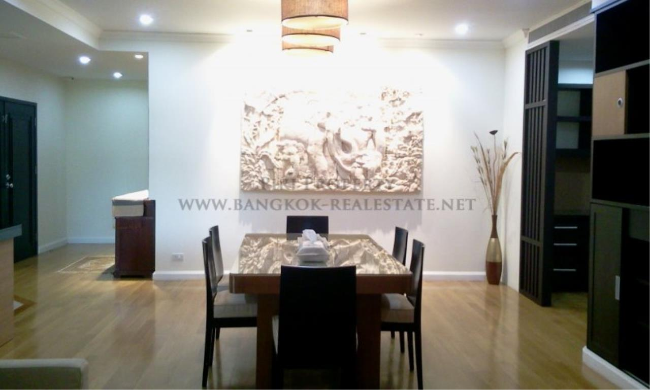 Piri Property Agency's Exclusive Living in Phrom Phong - Cadogan Private Residence - 3BR 4