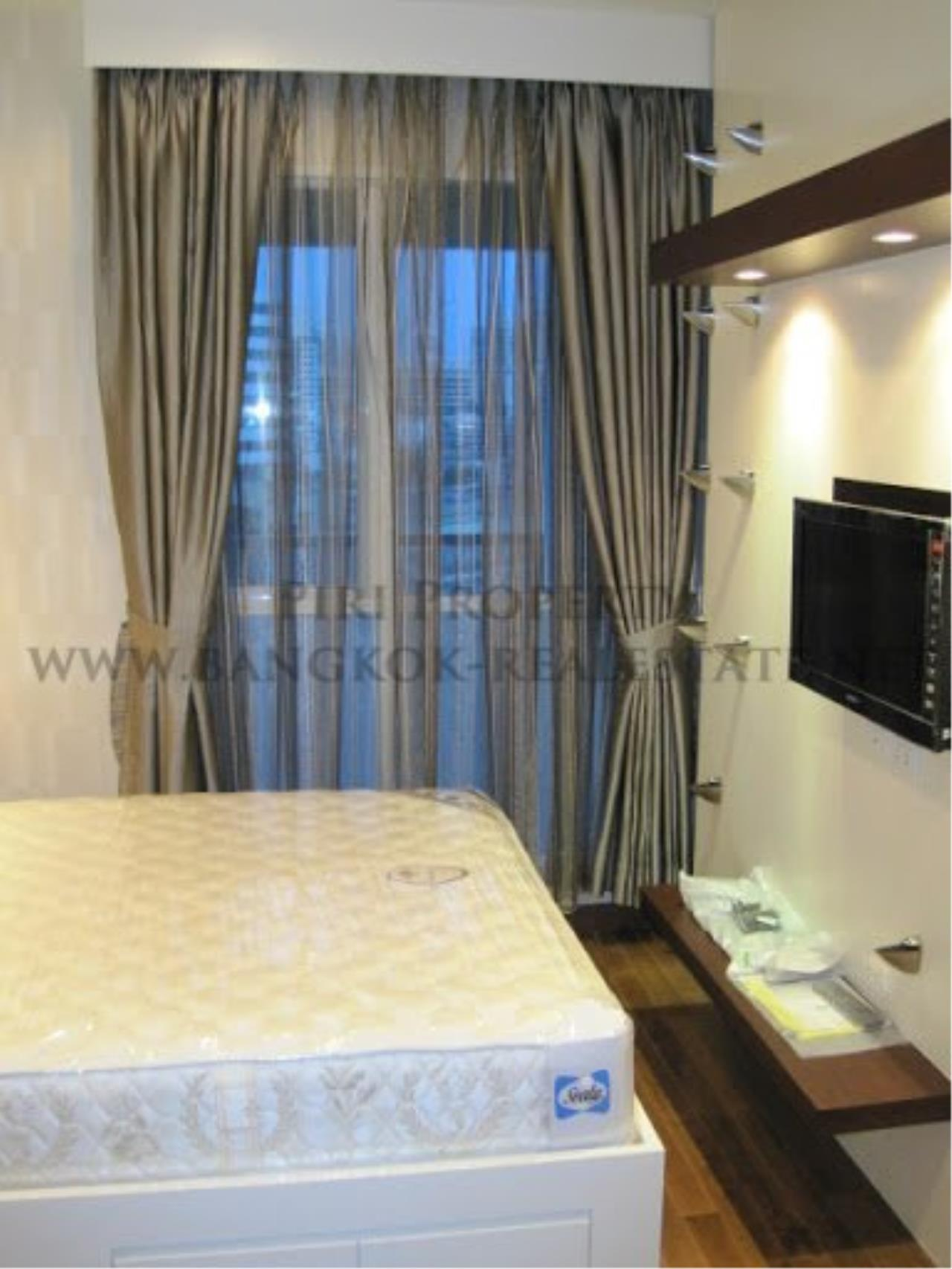 Piri Property Agency's Very exclusively furnished 2 Bedroom Condo in Chidlom 8