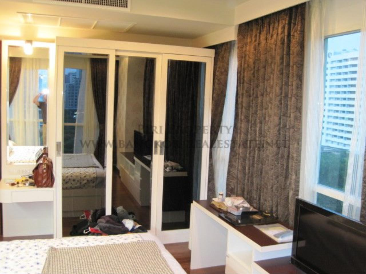 Piri Property Agency's Very exclusively furnished 2 Bedroom Condo in Chidlom 10