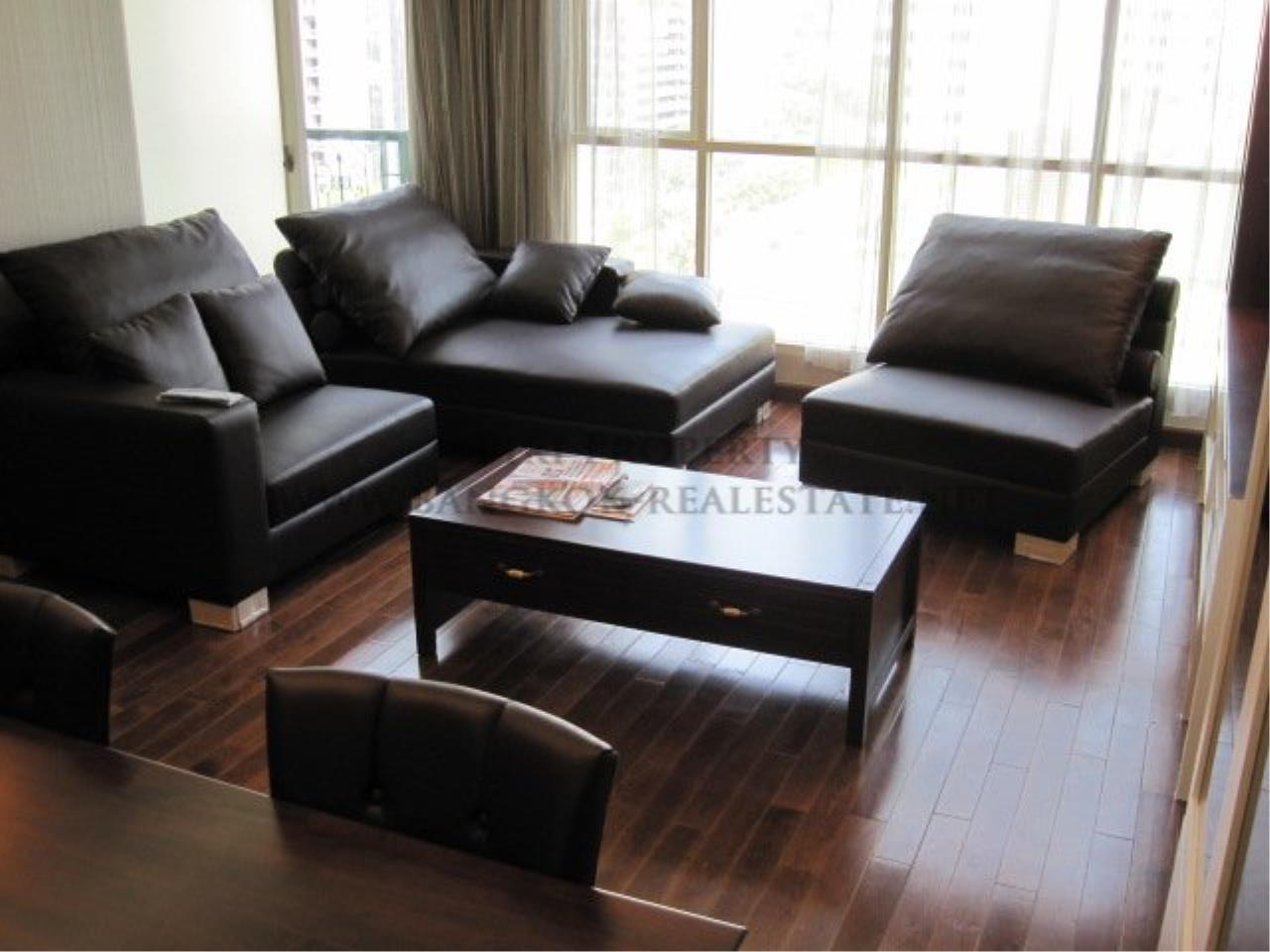Piri Property Agency's Very exclusively furnished 2 Bedroom Condo in Chidlom 1