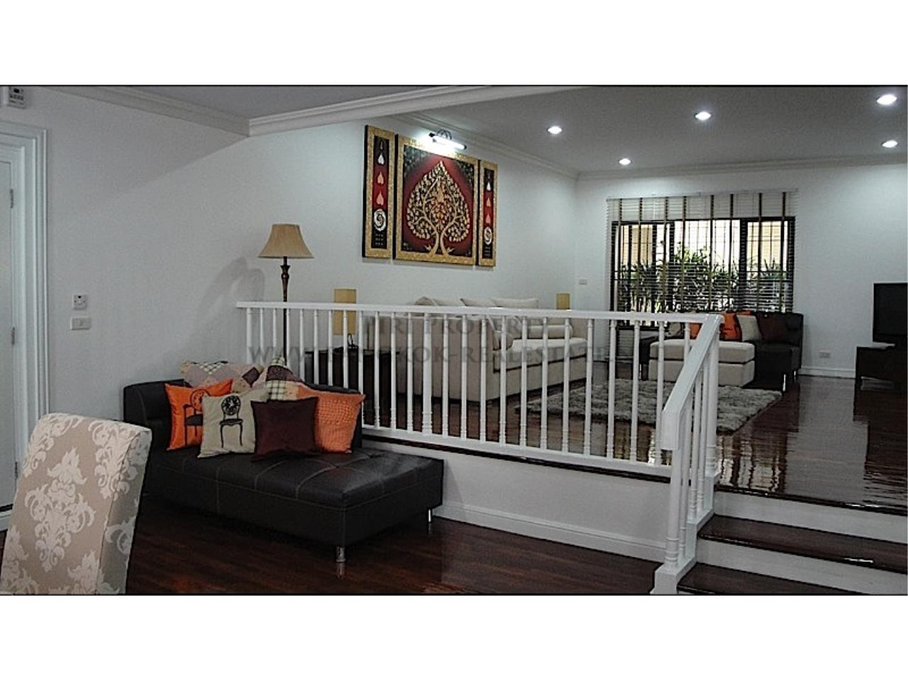 Piri Property Agency's Huge and very exclusively furnished 3 Bedroom Condo 11