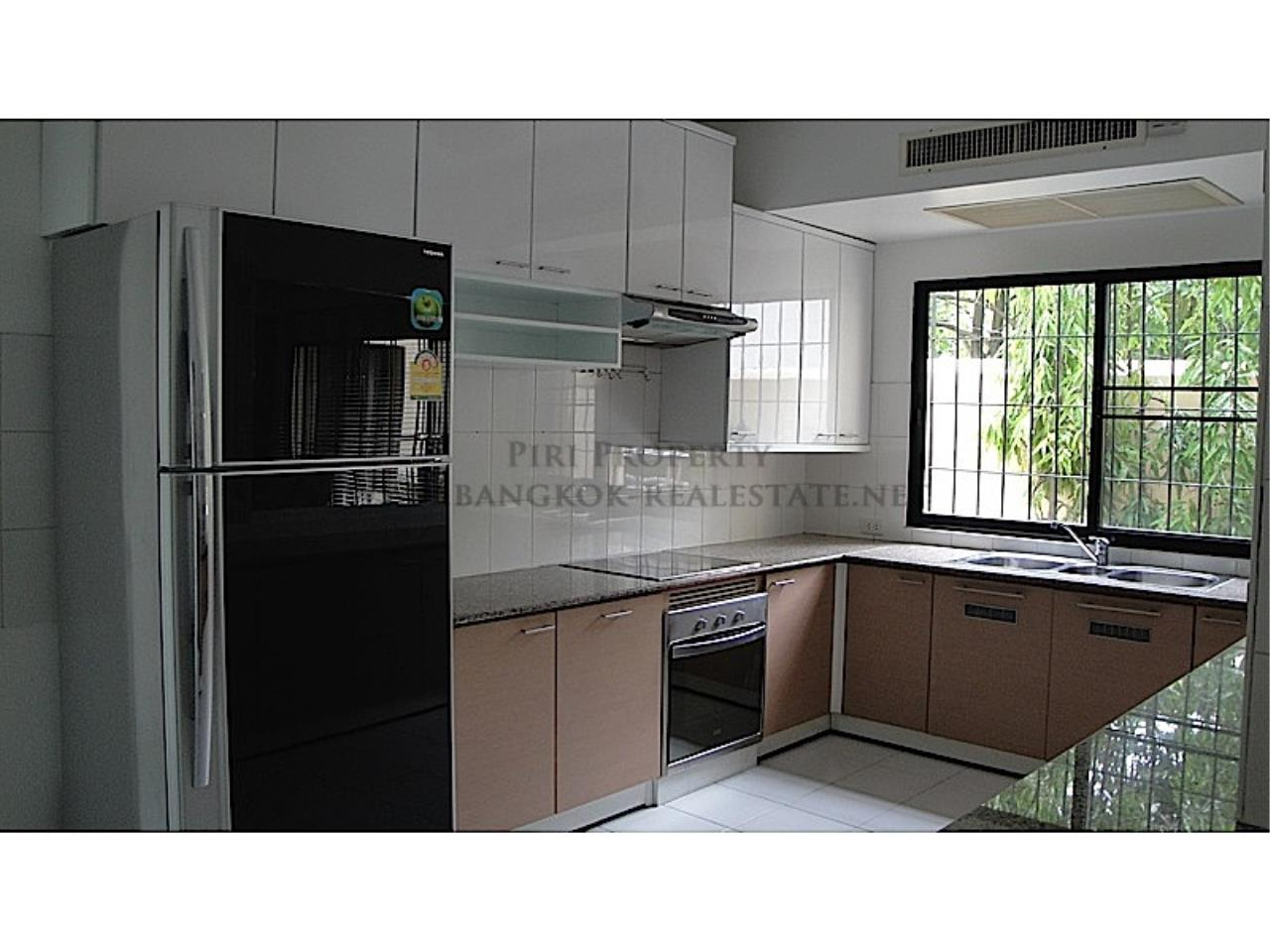 Piri Property Agency's Huge and very exclusively furnished 3 Bedroom Condo 10
