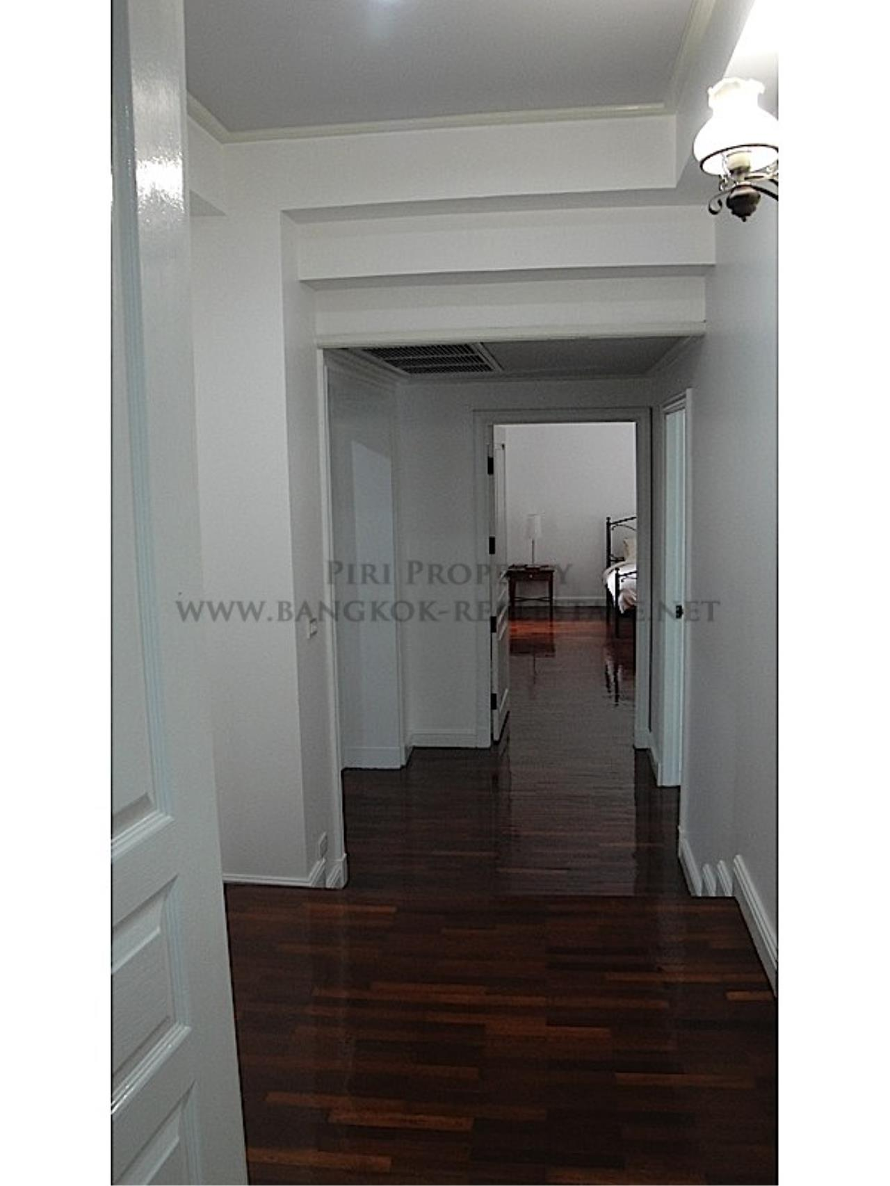 Piri Property Agency's Huge and very exclusively furnished 3 Bedroom Condo 5