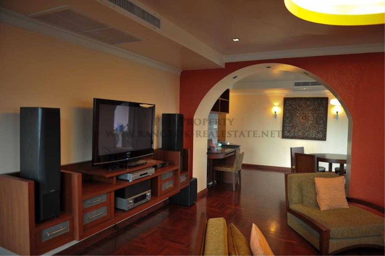 Piri Property Agency's Lake Avenue Condominium - Premium One Bedroom Condo 1