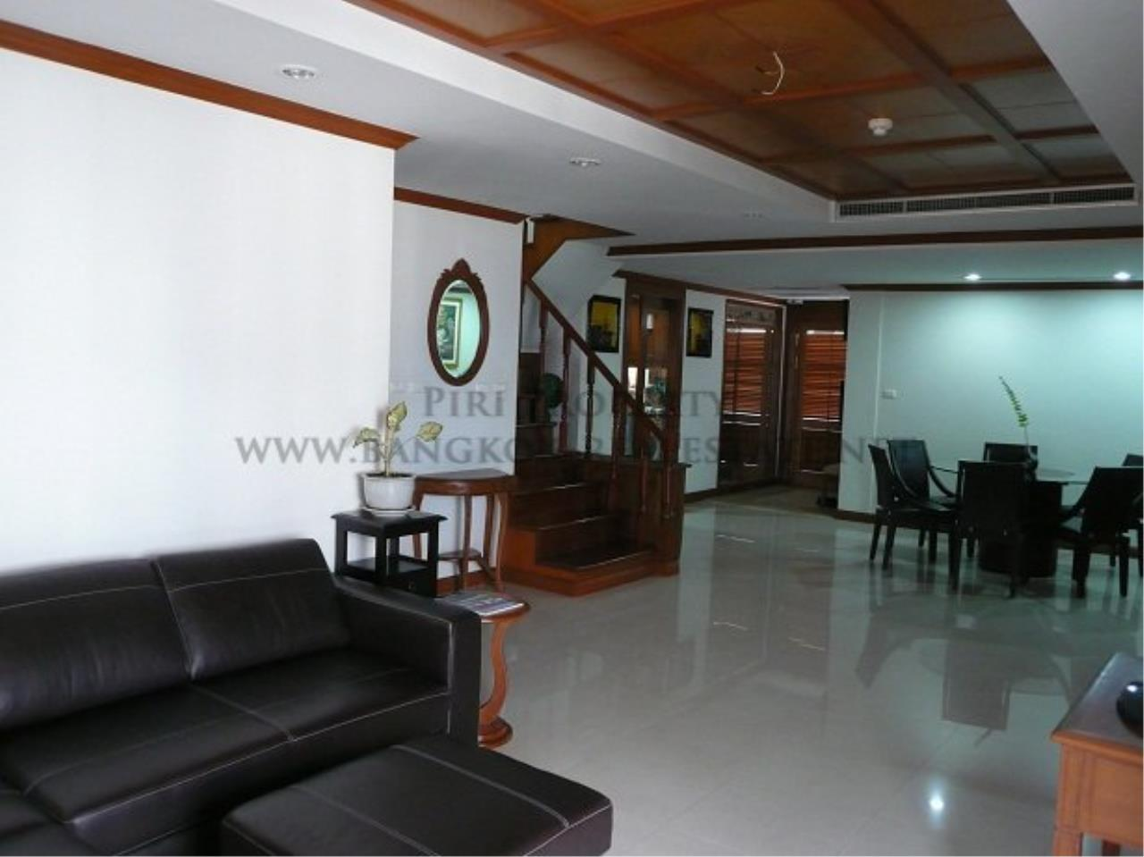 Piri Property Agency's Duplex Condominium in Asoke for Sale - 3 Bedroom 20