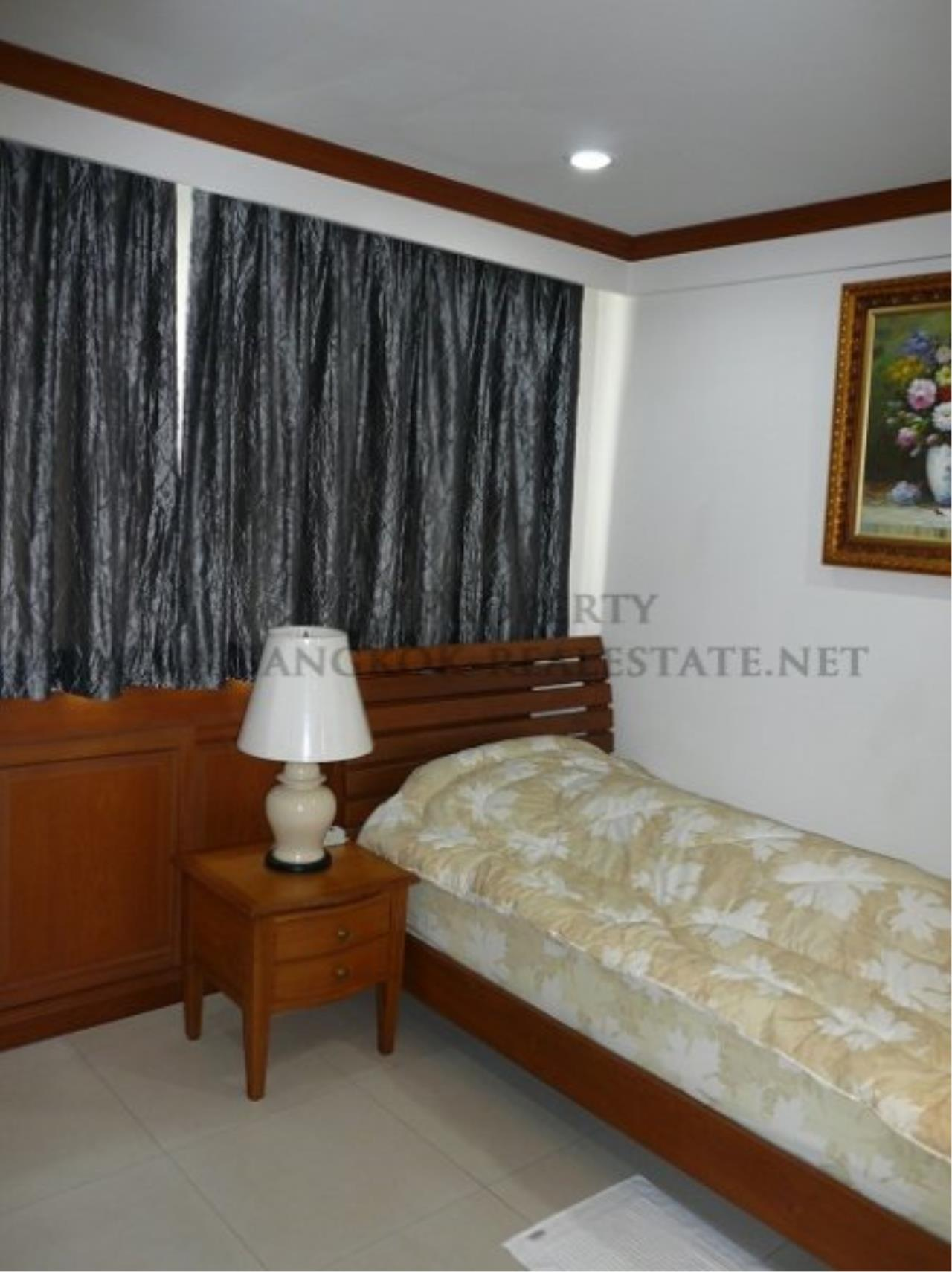 Piri Property Agency's Duplex Condominium in Asoke for Sale - 3 Bedroom 16