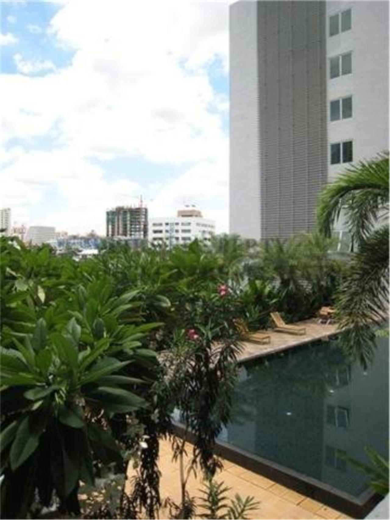 Piri Property Agency's The Star Estate Narathiwas - Condo with 2 Bedrooms for Rent 4