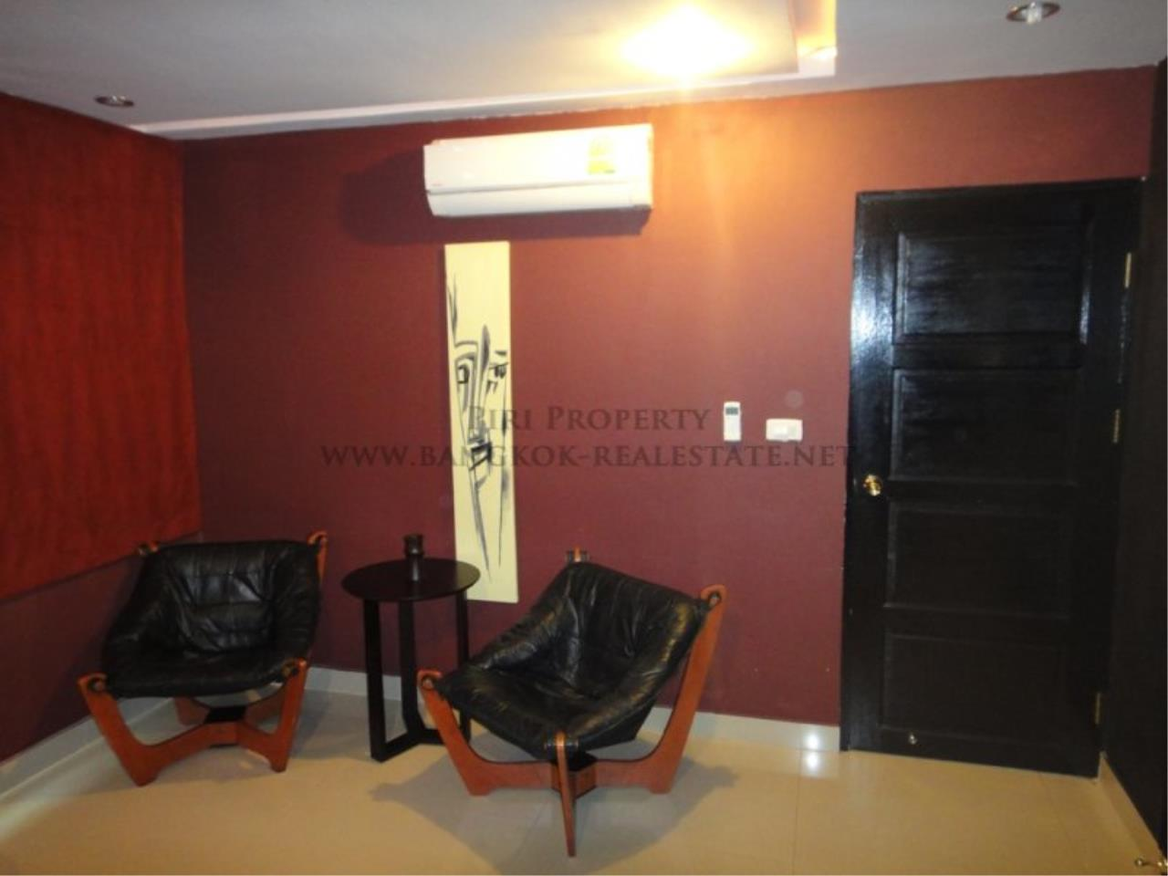 Piri Property Agency's Baan Phrom Phong - 2 Bedroom Condo for Sale - RENOVATED! 10