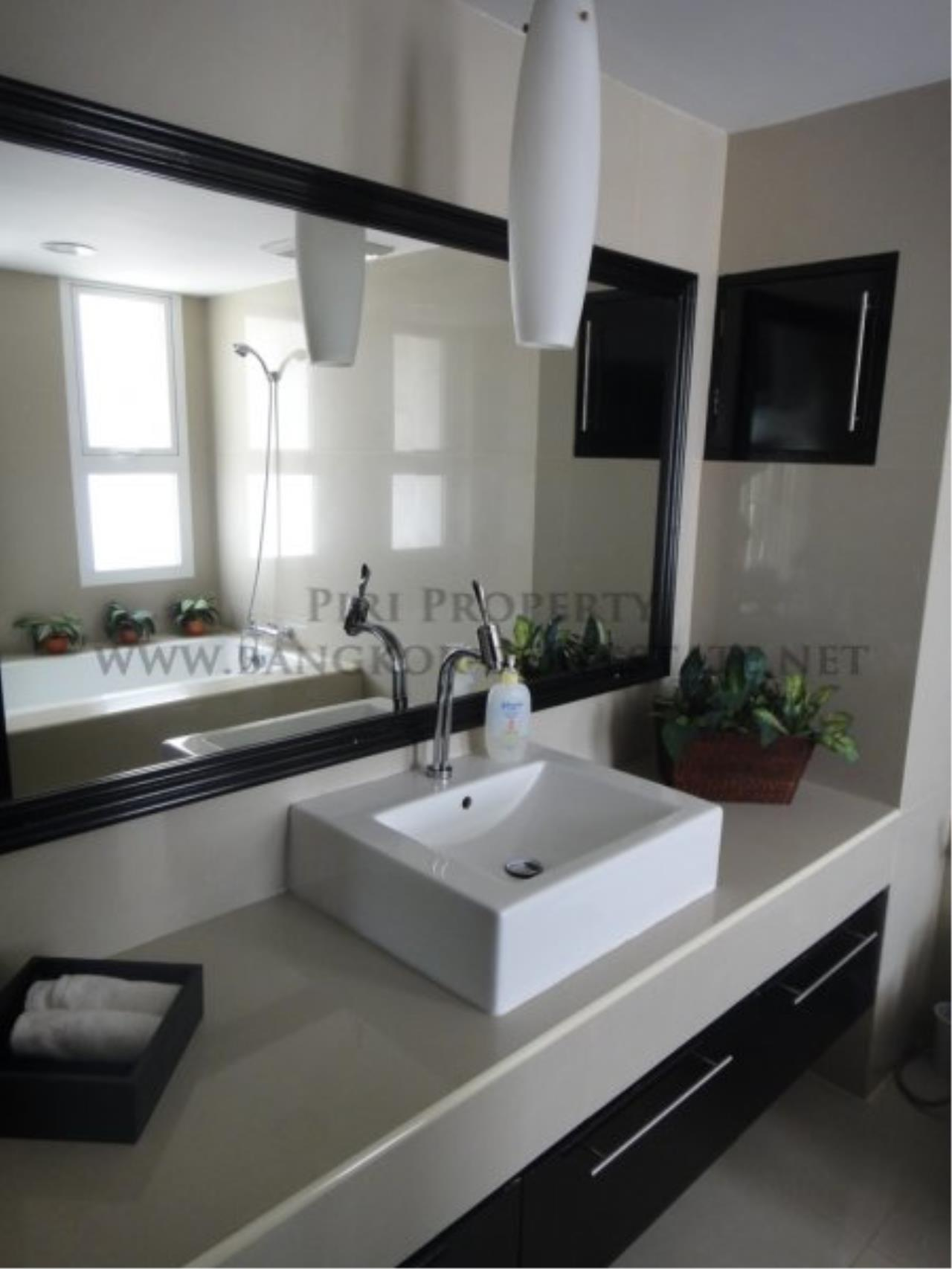 Piri Property Agency's Baan Phrom Phong - 2 Bedroom Condo for Sale - RENOVATED! 12