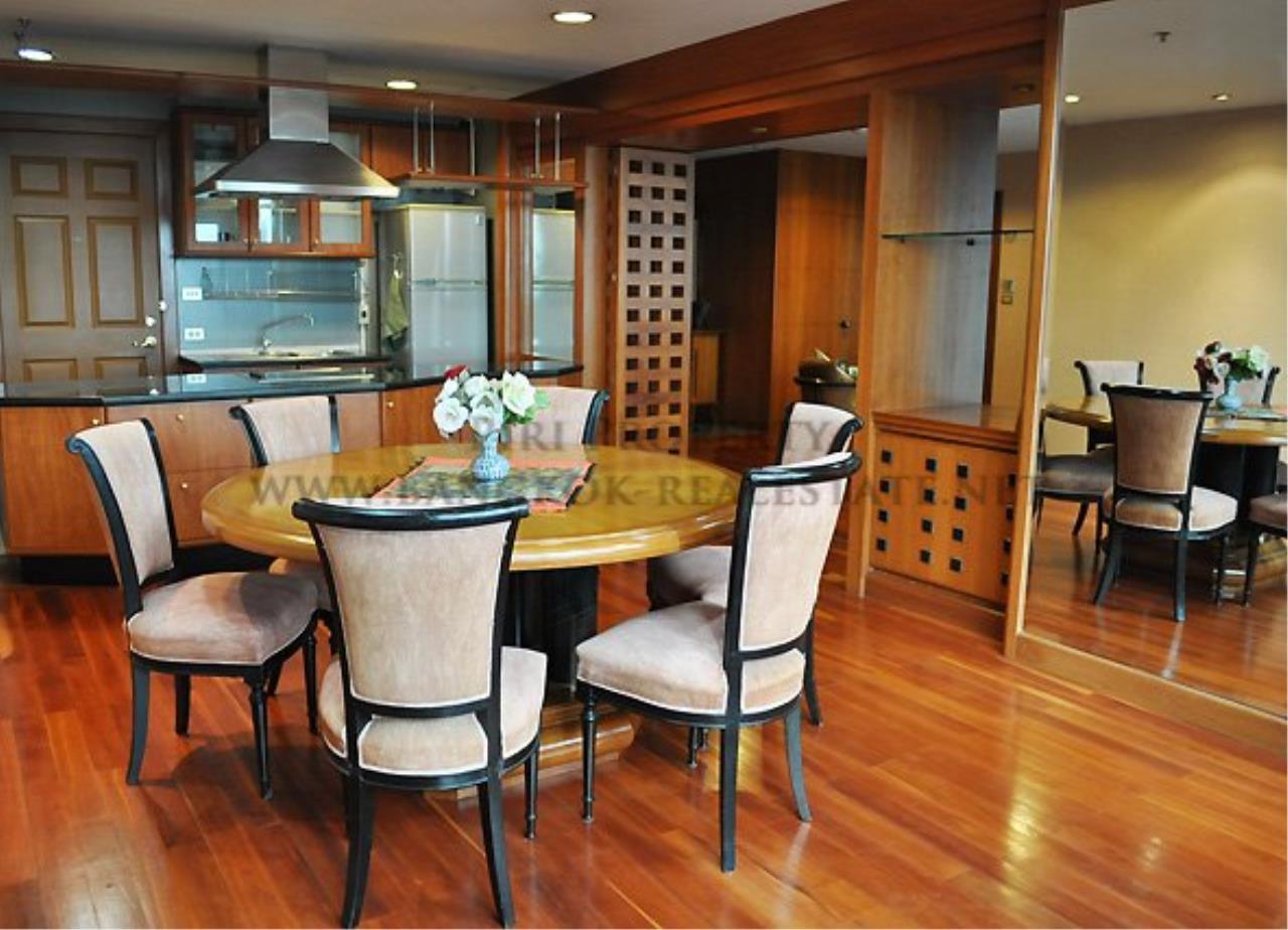 Piri Property Agency's Royal Place - Spacious 2 Bedroom - 137 SQM in Rachadamri - 55K 1
