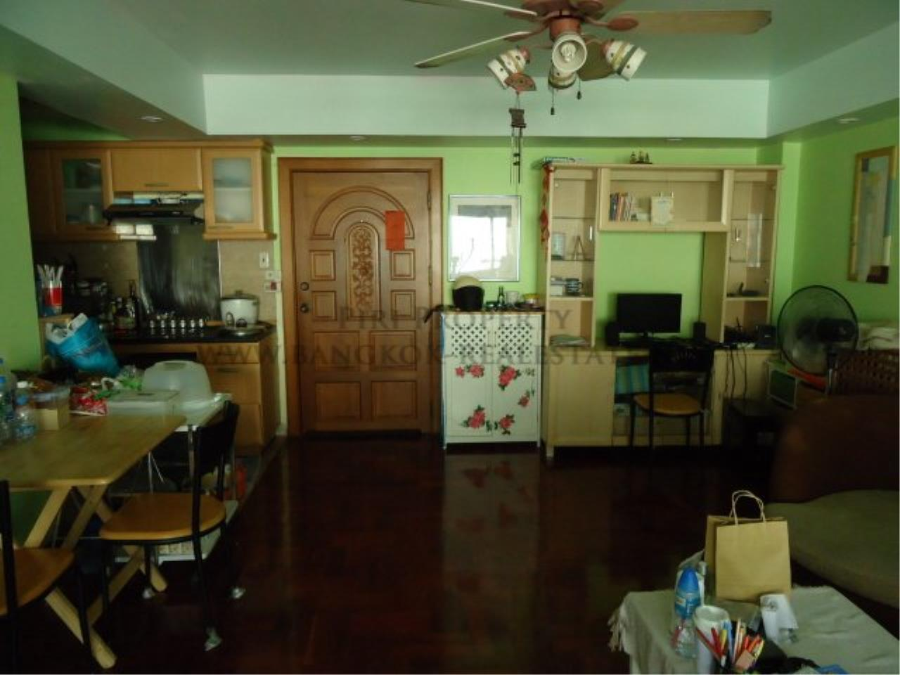 Piri Property Agency's Baan Sukhuthai - Spacious 1 Bed Condo for Rent - 65 SQM 2