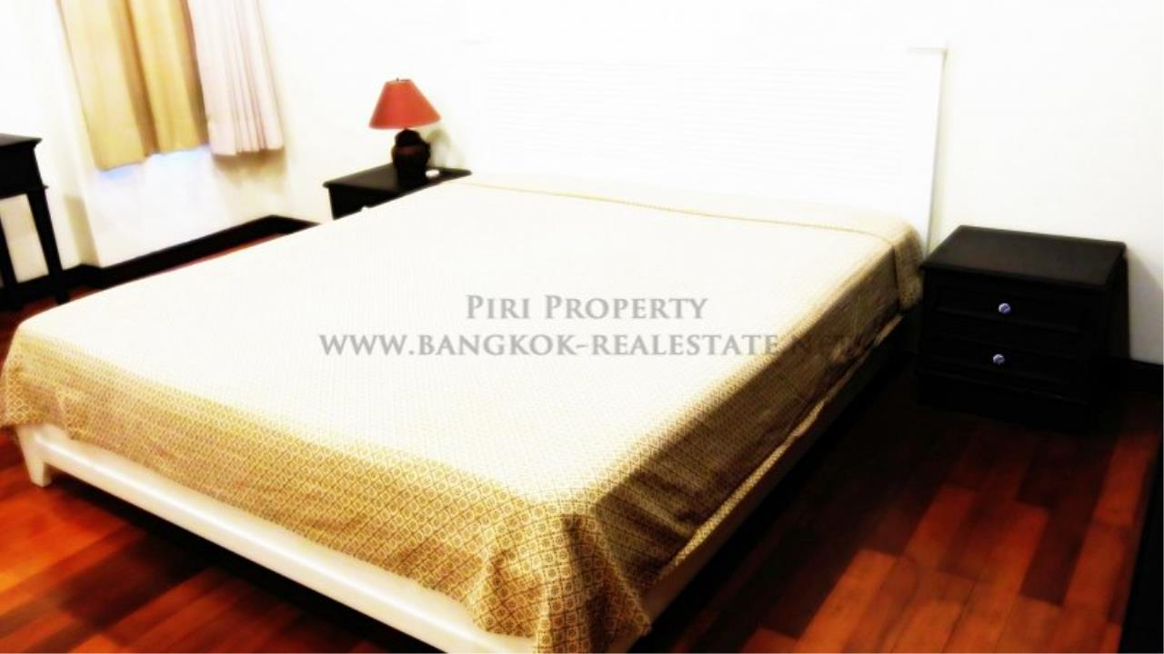 Piri Property Agency's 2 Bedroom Condo with Maid Quarter on very high Floor - Thonglor 3