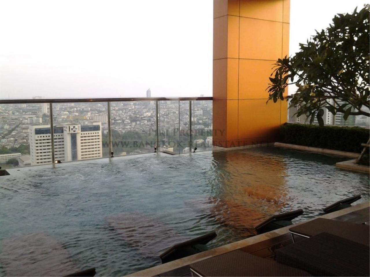 Piri Property Agency's Exclusive 2 Bedroom Condo in The Address Sathorn on 29th Floor 7