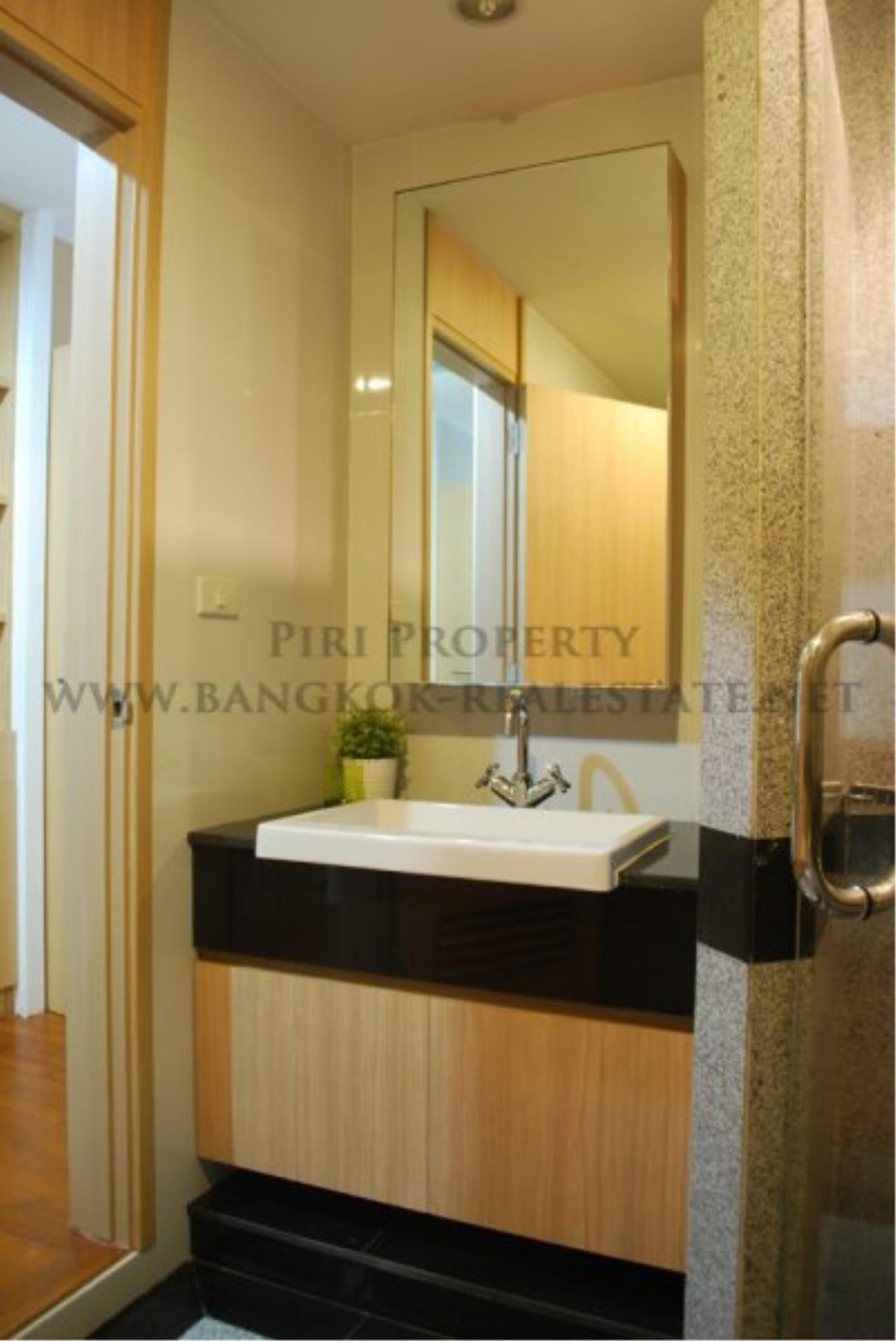 Piri Property Agency's Renovated Condo on Langsuan Road with 3 Bedrooms 12