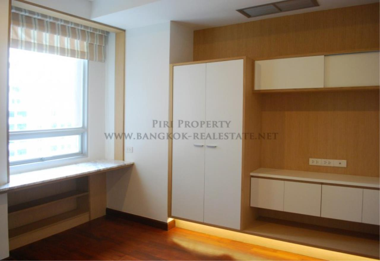Piri Property Agency's Renovated Condo on Langsuan Road with 3 Bedrooms 15