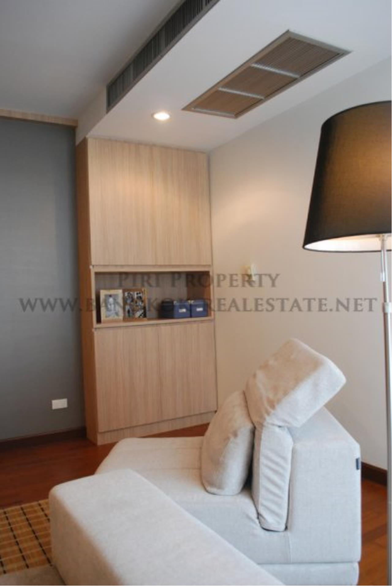Piri Property Agency's Renovated Condo on Langsuan Road with 3 Bedrooms 3