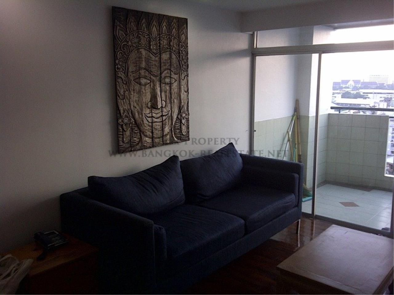 Piri Property Agency's One Bedroom Unit - Monterey Place - Recently Renovated 2