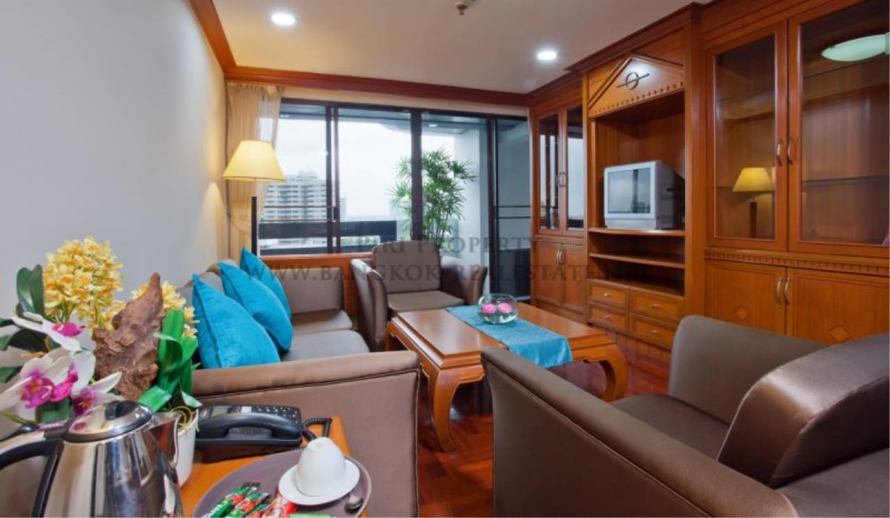 Piri Property Agency's Spacious Apartment in Phrom Phong - 2 Bedrooms with 160 SQM 3
