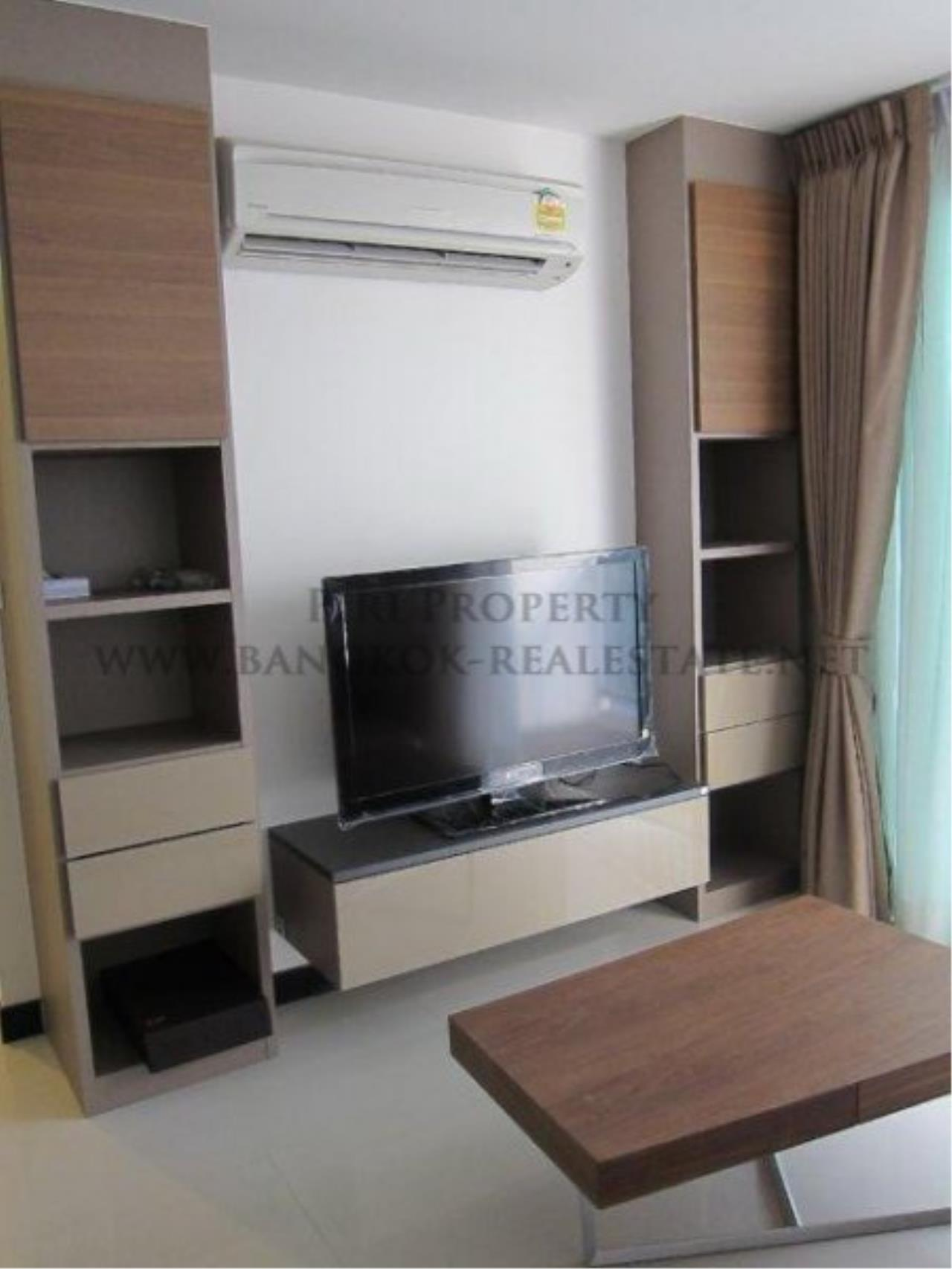 Piri Property Agency's 2 Bedroom Condo in Asoke - Voque 16 for Rent - Free Shuttle to BTS 2