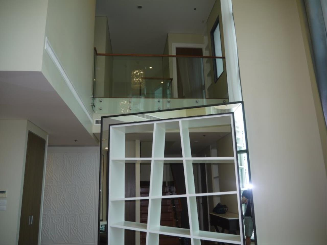 Piri Property Agency's Duplex 3 Bedrooms in the Bright Condo for sale on high floor 2