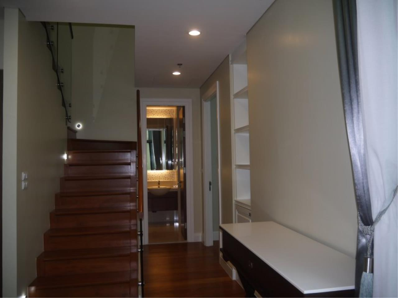 Piri Property Agency's Duplex 3 Bedrooms in the Bright Condo for sale on high floor 14