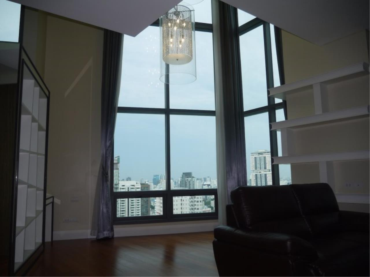 Piri Property Agency's Duplex 3 Bedrooms in the Bright Condo for sale on high floor 18