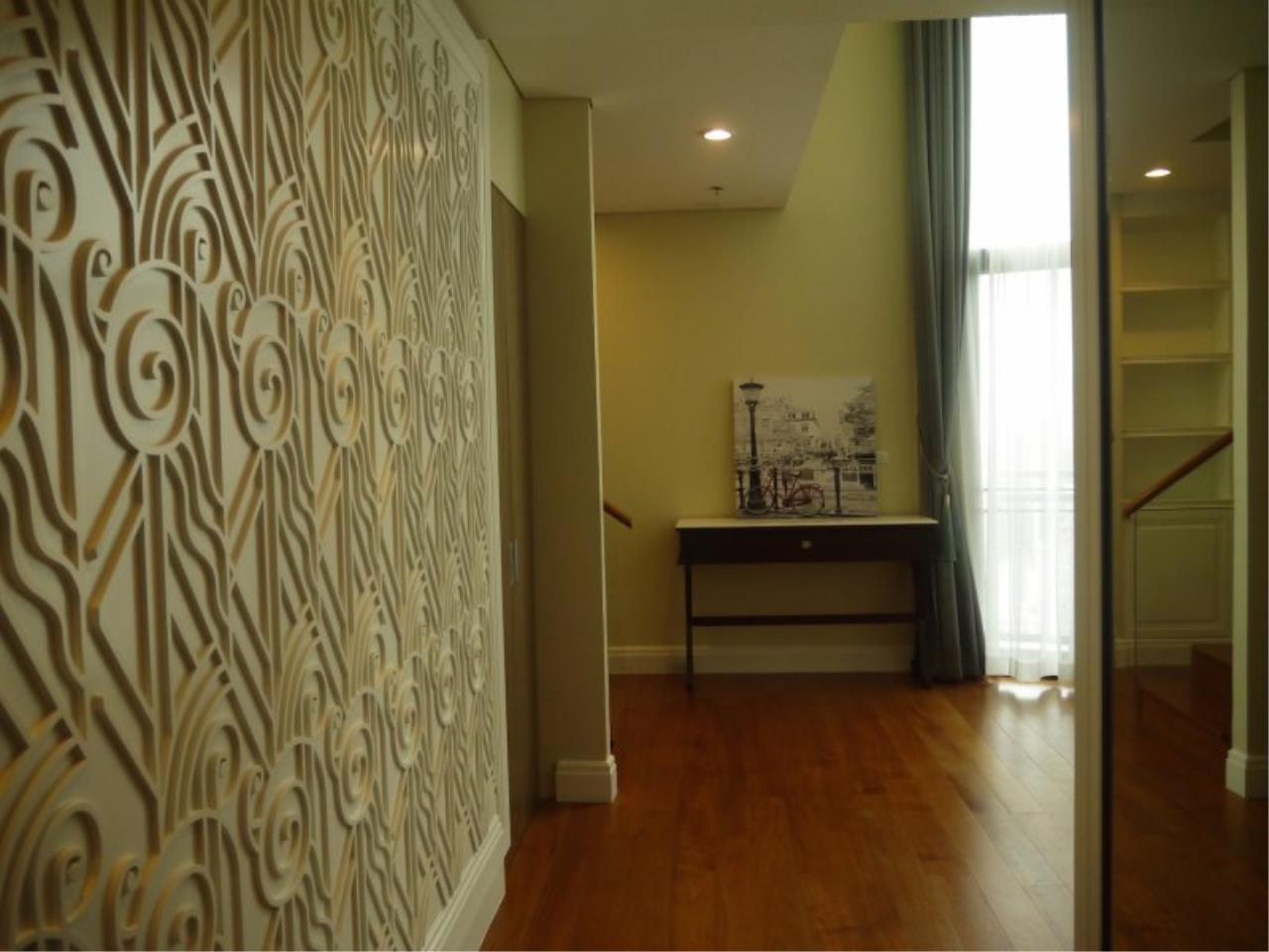 Piri Property Agency's Duplex 3 Bedrooms in the Bright Condo for sale on high floor 20