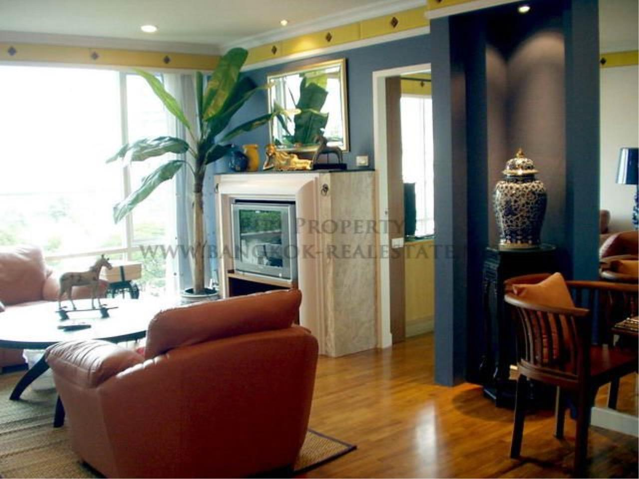 Piri Property Agency's Baan Siri Soi 10 - Nice and Spacious 1 Bedroom Condo near Asoke 4