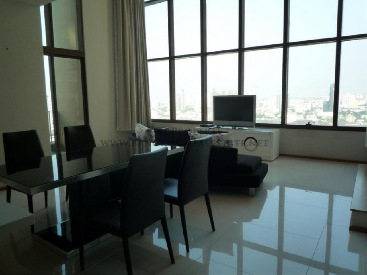 Piri Property Agency's 2 Bedroom Duplex Condo - Emporio Place - High Floor with excellent views 3