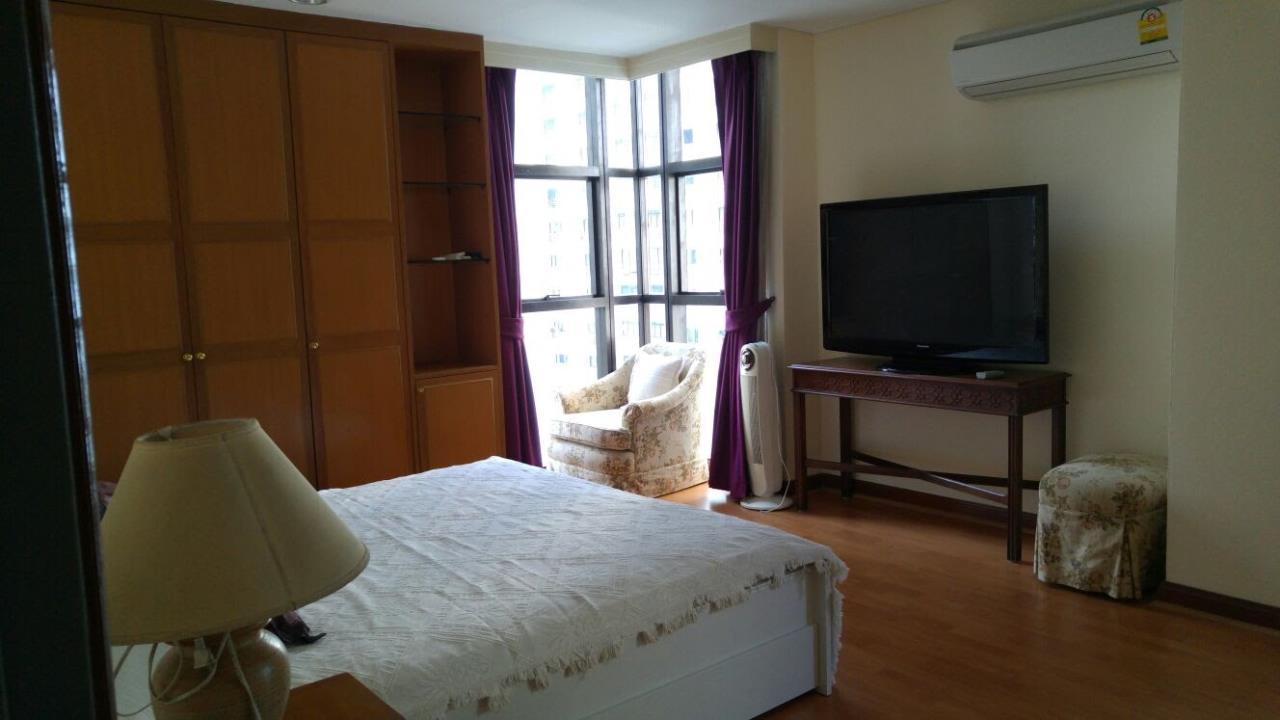 Piri Property Agency's Spacious 2 Bedroom Unit next to Rajdamri BTS - Baan Somthavil 8