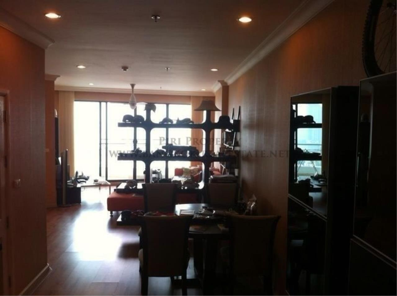 Piri Property Agency's Supalai Casa Riva for Sale - 2 Bedroom on 29th Floor - Fully furnished 3