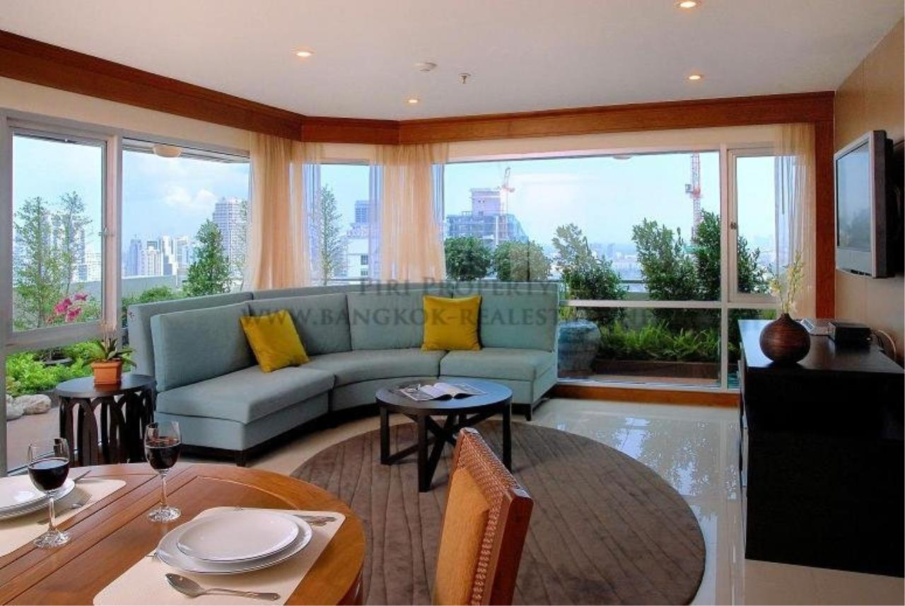 Piri Property Agency's 2 Bedroom Condo with great Outdoor Terrace of 40 SQM - Just a 5 minute walk to the BTS 1