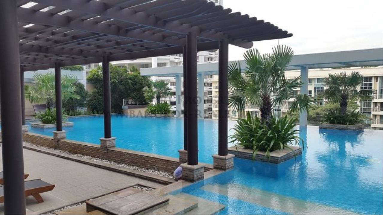 Piri Property Agency's Spacious Family Condominium in Sukhumvit 24 - Baan Siri 24 - 3 Bed 10