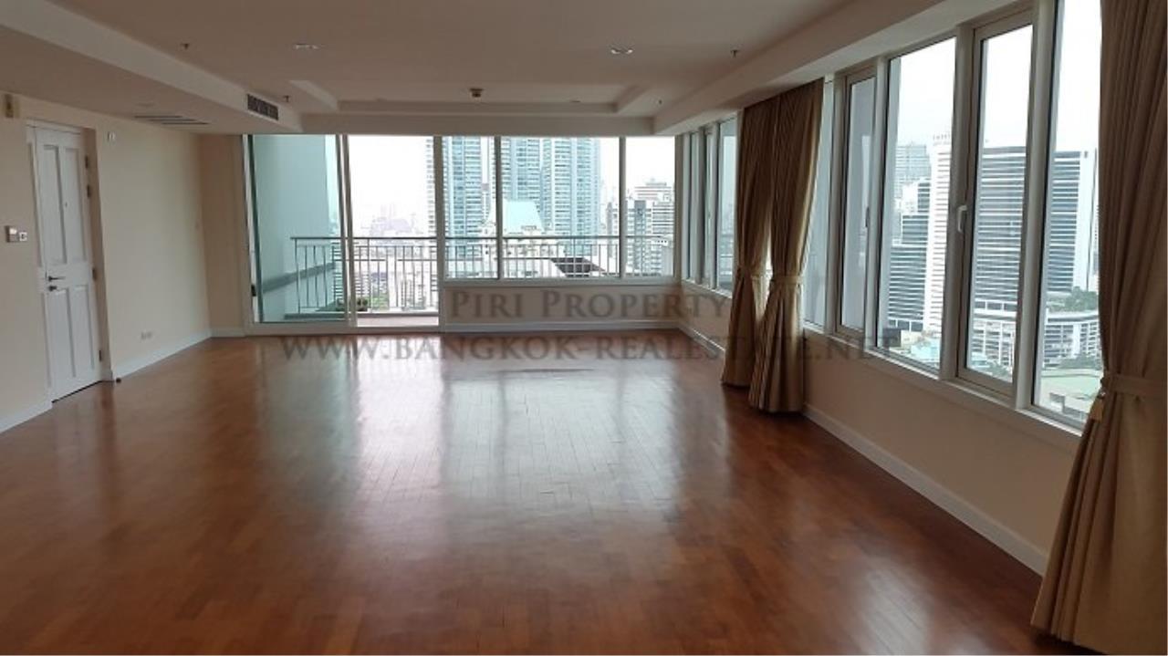 Piri Property Agency's Spacious Family Condominium in Sukhumvit 24 - Baan Siri 24 - 3 Bed 3
